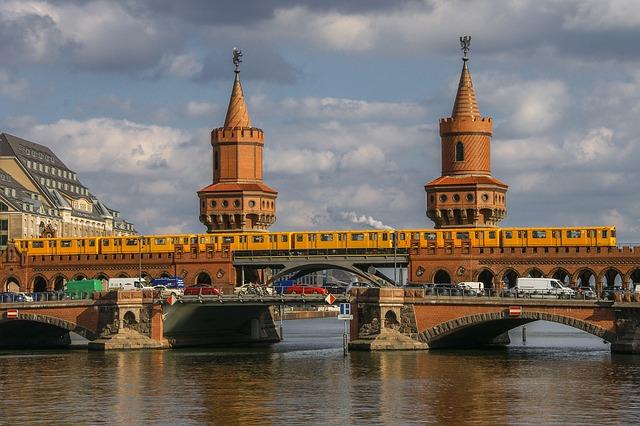 most na dva nivoa oberbaumbrücke berlin